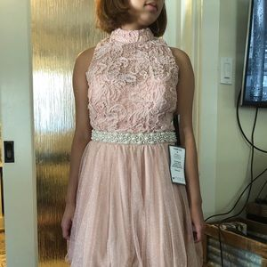 Lace dress small size NWT